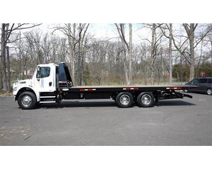 Freightliner BUSINESS CLASS M2 106 Roll Back Truck