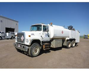 Ford LT9000 Fuel / Lube Truck