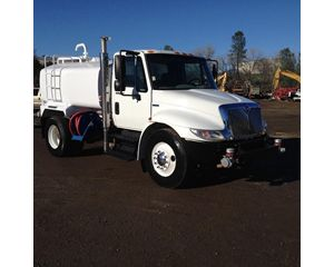 International 4300 Water Truck