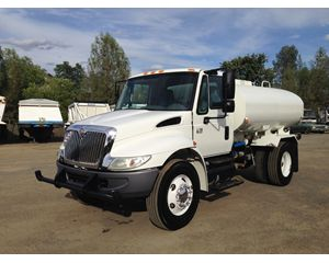 International 4200 SBA Water Truck