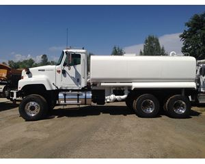 International 5500 Water Truck