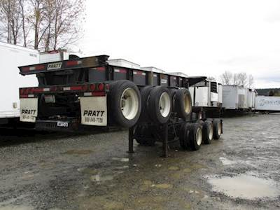 2016 Pratt 30x96 Tri Axle Steel Container Chassis - Spring, Sliding Axle
