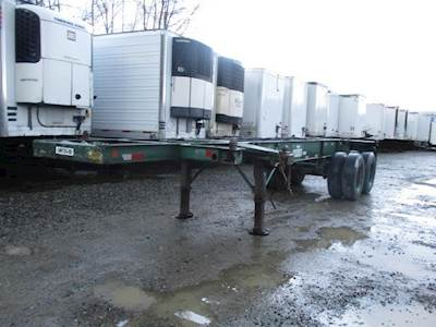 1982 UTILITY 27x96 Tandem Axle Combination Container Chassis - Spring, Fixed Axle