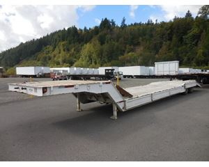Muv-All Beaver Tail Equipment Trailer Double Drop Trailer