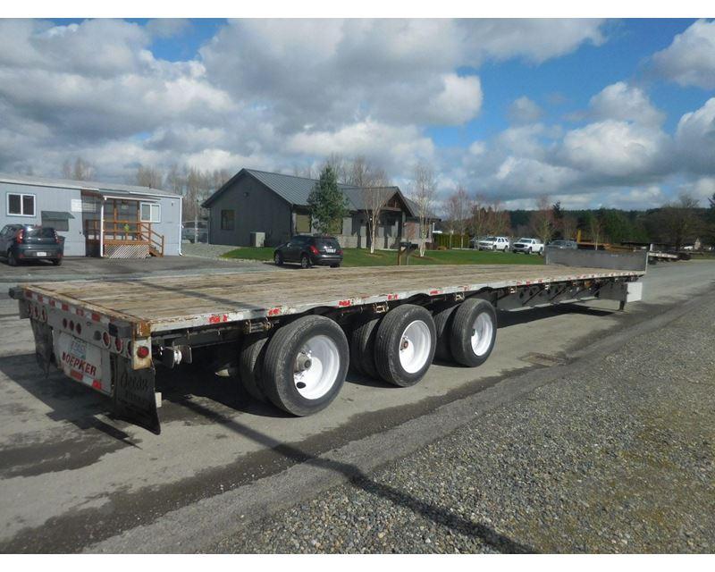 Tri Axle Flatbed : Doepker tri axle drop deck flatbed