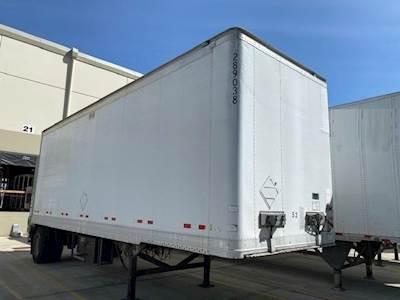 2009 Great Dane 28 ft Dry Van Trailer - Roll up Door, Spring, Liftgate, Single Axle, Fixed Axle