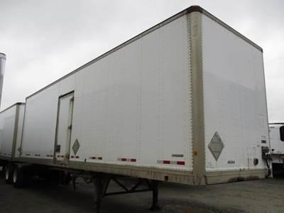 2009 Manac 68 ft Dry Van Trailer - Roll up Door, Air Ride, Fixed Axle
