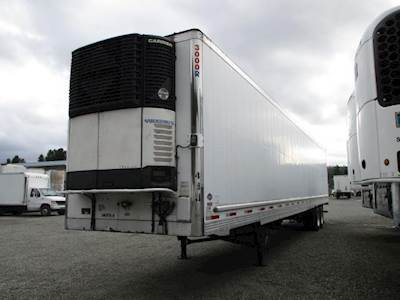 2007 UTILITY 3000R SWING DOOR AIR RIDE REEFER WITH CARRIER UNIT Refrigerated Trailer