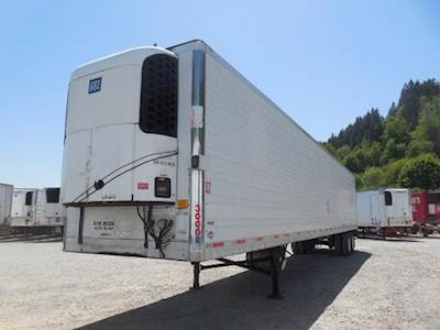 2005 UTILITY 3000R SWING DOOR AIR RIDE REEFER WITH TK UNIT Refrigerated Trailer