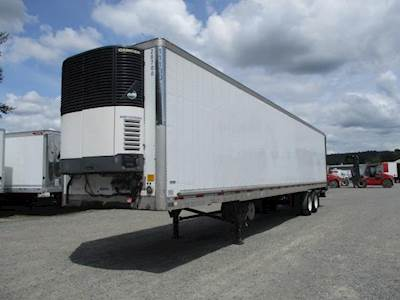 2011 UTILITY 48 ft Reefer Trailer - Sliding Axle, Roll up Door, Liftgate, Carrier