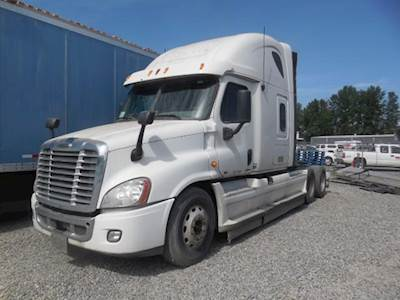 2012 Freightliner Cascadia 125 Tri Axle Sleeper Semi Truck, Manual