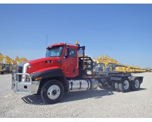 Caterpillar CT660S Heavy Duty Cab & Chassis Truck