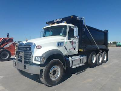 1990 Mack RD8886S Cab & Chassis Truck For Sale, 12,099 Miles