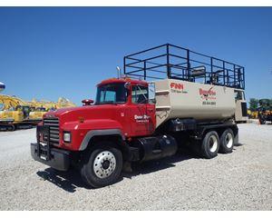 Mack DM690S Farm / Grain Truck