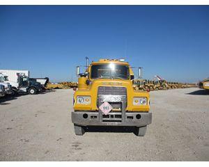 Mack RD688ST Gasoline / Fuel Truck