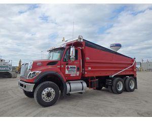 International 7500 Heavy Duty Dump Truck
