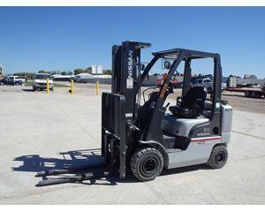 Nissan 50 Mast Forklift