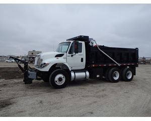 International 7400 Medium Duty Dump Truck
