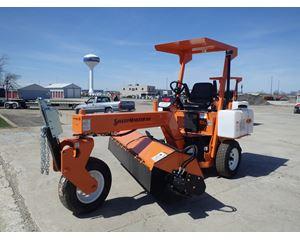 Lay-Mor SWEEPMASTER 300 Sweeper / Vactor