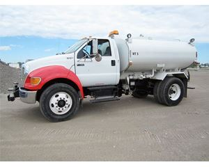 Ford F-750 Water Tank Truck