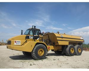Caterpillar 740 Water Wagon