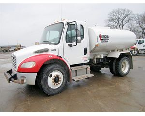 Freightliner BUSINESS CLASS M2 100 Water Wagon