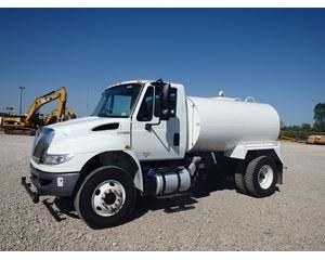 International 4300 Water Wagon