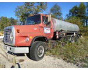 Ford LT9000 Asphalt Distributor Truck