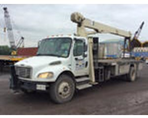 National Crane 400B Straight Boom on  Freightliner M2 106 S/A Truck