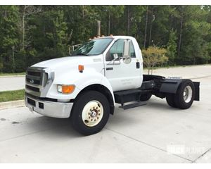 Ford F-750 XL Super Duty S/A Conventional Day Cab