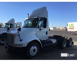 International 8600 SBA T/A Conventional Day Cab