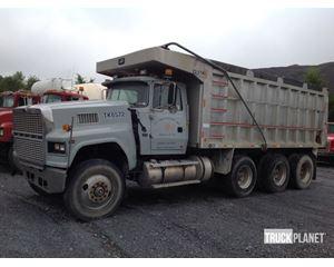 Ford LTL9000 Tri/A Dump Truck