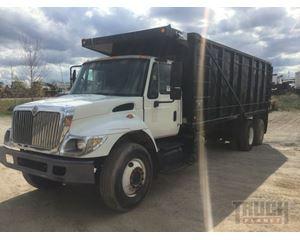 International 4700 T/A Dump Truck