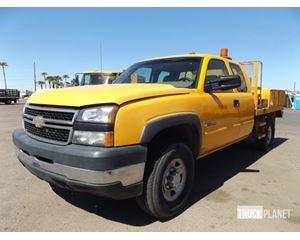 Chevrolet Silverado 2500HD Flatbed Truck