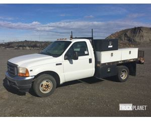 Ford F-350 XL Super Duty S/A Flatbed Truck