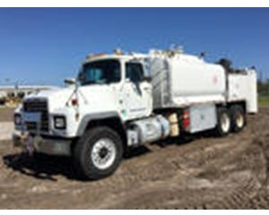 Mack RD688S T/A Fuel & Lube Truck