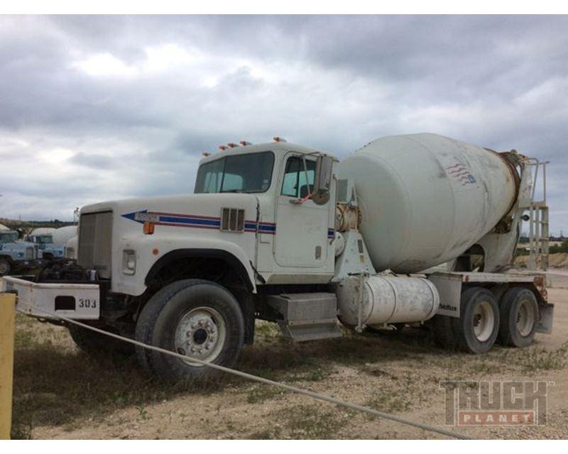 1995 International Paystar 5000 Sfa T A Mixer Truck For