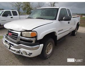 GMC Sierra 2500HD 4x4 Extended Cab Pickup