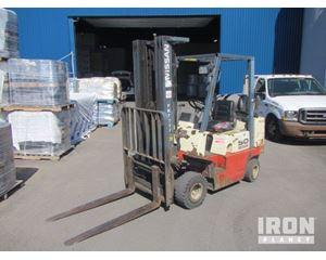 Nissan APJ2A25PV Pneumatic Tire Forklift