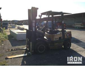 Yale GDP080LJNP8V097 Pneumatic Tire Forklift