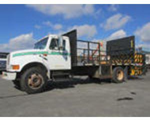 International 4700 Attenuator Truck