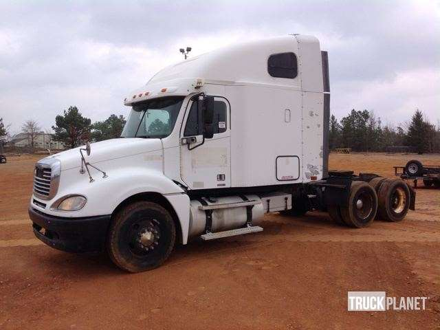 2005 freightliner columbia 120 t a conventional w sleeper for sale longview tx 9051717. Black Bedroom Furniture Sets. Home Design Ideas