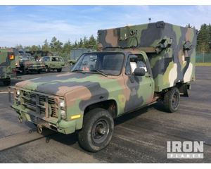 Chevrolet D30 4x4 Utility Truck