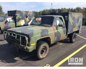 Chevrolet D30 4x4 Service Truck