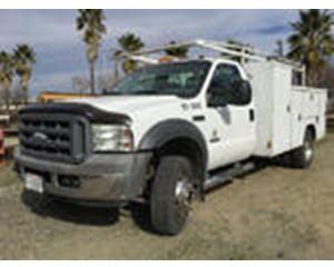 Ford F-450 XL Super Duty Utility Truck