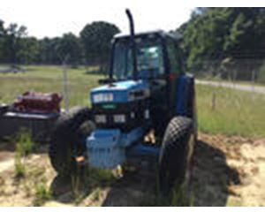 Ford/New Holland 774 Farm Tractor