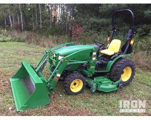 John Deere 2520 4x4 Farm Tractor