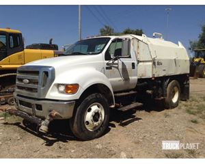 Ford F-75 XL Super Duty S/A Water Truck