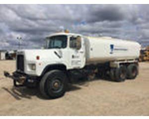 Mack DM690S T/A Water Truck