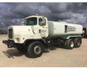 Mack DMM6906S 6x6 T/A Water Truck